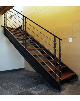 Маршевая лестница М1 для офиса