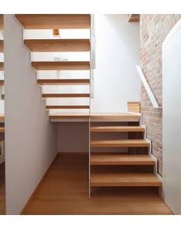 Маршевая лестница М8 с площадкой