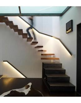 Консольная лестница К4 с подвесным ограждением