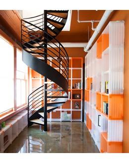 Винтовая лестница В6 в стиле лофт и арт хаус