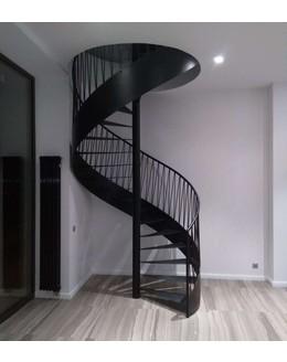 Винтовая лестница В7 из черной стали