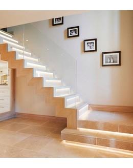 Маршевая лестница   М19 со сложной подсветкой