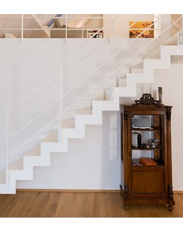 Маршевая лестница М29 прямая на косоуре