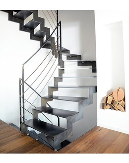 Маршевая лестница М30 забежная на косоуре