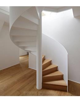 Винтовая лестница   В20 на тетиве