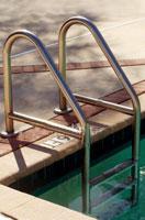 Лестницы для бассейна